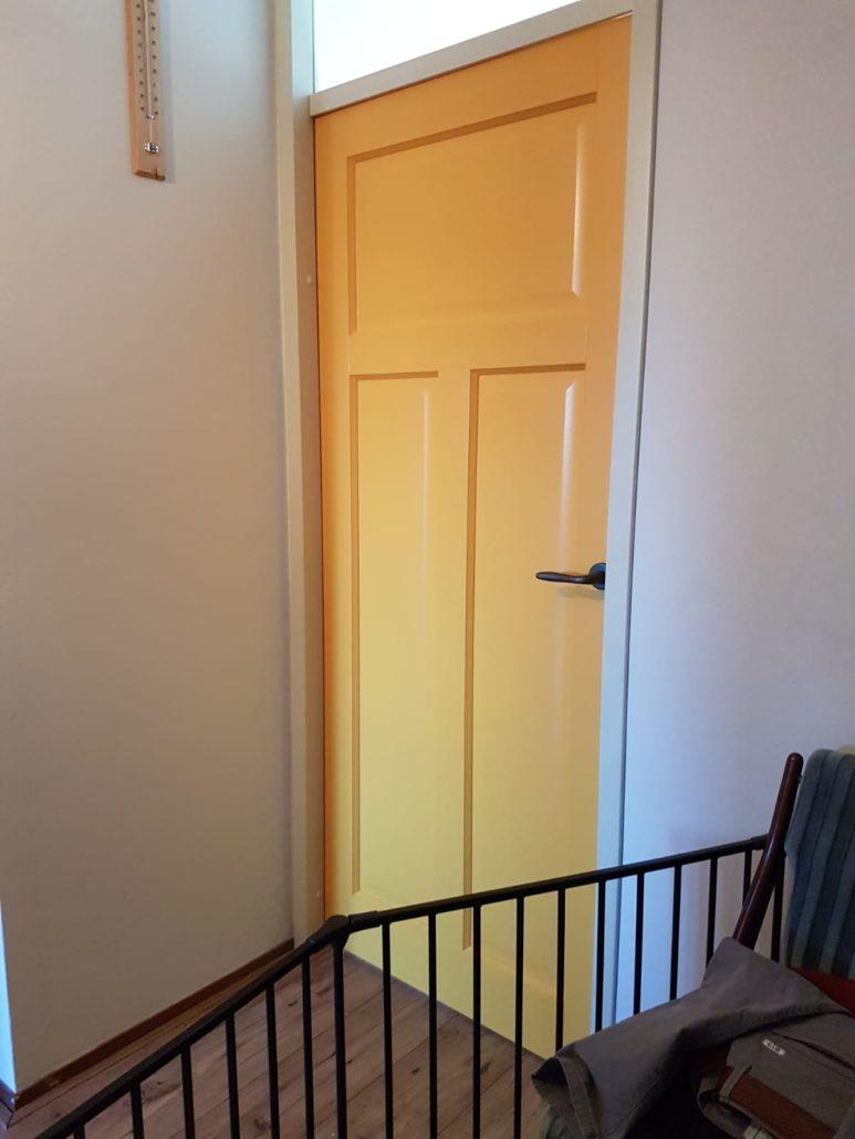 Binnendeur geel